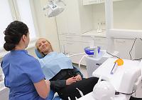 Estetinis dantų plombavimas: 5 klausimai odontologei