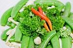 Ankštinės daržovės padės išvengti persivalgymo