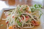 Sveikos mitybos dienos proga – patarimai, kaip valgyti nepriaugant svorio ir nealinant savęs