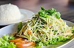 6 priedai salotoms, kurie padės sulieknėti