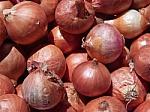 Sena daržovė, nauji gaminimo būdai: ką dar gali pasiūlyti svogūnai?