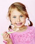 Trečdalis vaikų valosi tik priekinius dantis