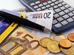 Medikų atlyginimų priedams už gegužę pervesta 11,6 mln. eurų