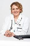 Gydymo įstaigos įpareigotos užtikrinti, kad gyventojai prisiskambintų į registratūrą