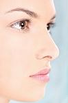 Kokį kasdienį veido kremą rinktis sausai, į spuogus linkusiai odai?