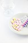 Seimas svarstys siūlymą, kaip išvengti vaistų trūkumo sutrikus jų tiekimui
