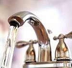 """Pigus """"Xiaomi"""" vandens kokybės matuoklis padės išsiaiškinti, kada keisti vandens filtro kasetę ir ar viešbučio vanduo tinkamas gerti (Video)"""