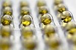 Neatsakingas vitaminų vartojimas gali būti nemažiau žalingas nei jų stoka